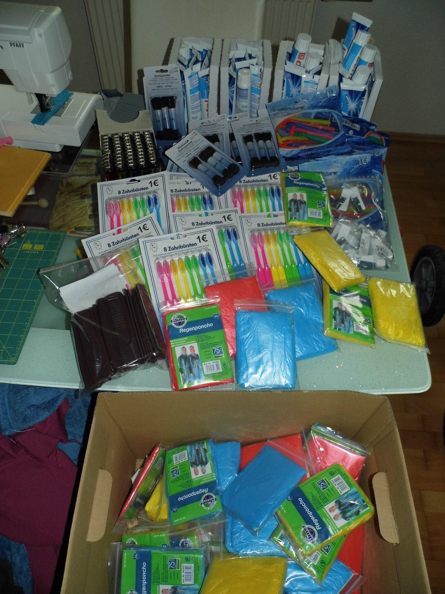 Die ersten Teile des Survival Kits sind angekommen...